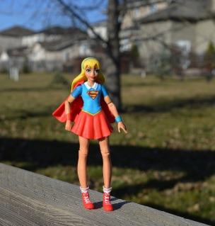 supergirl-1801646_1280